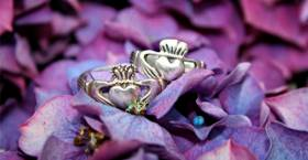 San Valentín e Irlanda: el anillo Claddagh como símbolo de amor y amistad
